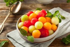 A melon-rich fruit salad isn't just a colorful breakfast or side dish; it can help you lose weight, . - Provided by Eat This, Not That! Best Fruit Salad, Fruit Salad Recipes, Melon Salad, Honeydew Melon, Poivre De Sichuan, Allergies Alimentaires, Watermelon Mint, Eating For Weightloss, Food Combining