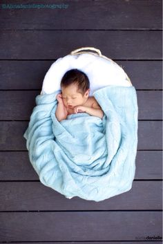 Infant Photography by aliciafoto.com