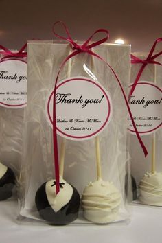 cake pops wedding favors