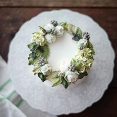 굳모닝 weekly cake #플라워케이크 #플라워케익 #버터크림플라워케이크 #koreanflowercake #flowercake…
