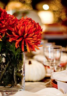 Mums at your Thanksgiving table Thanksgiving Table, Thanksgiving Decorations, Thanksgiving Blessings, Autumn Table, Autumn Harvest, Centerpieces, Table Decorations, Autumn Home, Give Thanks