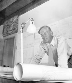 Through his work, he defined the fundamental traits of Danish modern furniture: clean lines, fine materials and exceptional craftsmanship. Klint based his furniture designs on functional principles and careful analyses of human proportions. Danish Modern Furniture, Scandinavian Furniture, Scandinavian Design, Nordic Design, Daybed Design, Sofa Design, Furniture Design, Chair Pictures, Design Language