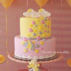 """CRISTINA TEIXEIRA CAKE DESIGN on Instagram: """"• Chuva de amor, para o chá da Cecília • ☔️ Decor: @mayanadesignerfestas ☎️: (73) 99102-9015 / (73) 3211-6875"""" • Instagram"""