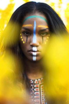 Neon tribal makeup (inspiration for my carnival monday makeup Cara Tribal, Tribal Face Paints, Tribal Paint, Too Faced, Foto Art, War Paint, African Beauty, African Tribal Makeup, Black Is Beautiful