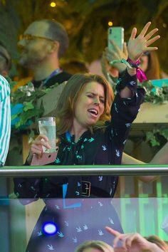 """NEW: Princess Eugenie and Princess Beatrice enjoyed Céline Dion's concert in London yesterday. Duchess Of York, Duke Of York, Sarah Ferguson Prince Andrew, Celine Dion Concert, Princess Eugenie And Beatrice, Concerts In London, The Other Sister, Hyde Park London, Eugenie Of York"