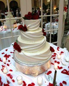 Wedding Cake Decoration Ideas reflect your style wedding cake decorations diy wedding decorations Wedding Cake Decorations, Wedding Cake Designs, Elegant Wedding Cakes, Red Wedding, Wedding Tips, Wedding Colors, Foto Pastel, Princess Bridal, Princess Cut