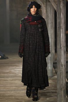 Chanel Pre-Fall 2013 Fashion Show - Jamie Bochert