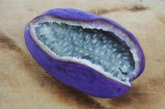 Japanese Fruit Akebi (Chocolate Vine) アケビ 木通 The look and feel is similar to… Exotic Food, Exotic Fruit, Tropical Fruits, Strange Fruit, Fruit And Veg, Fruits And Vegetables, Resto Paris, Sante Bio, Flavored Milk