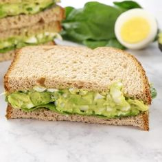This is the BEST egg salad recipe. You will LOVE the avocado addition! You can use your leftover hard boiled eggs to make an easy, delicious, and healthy egg salad. You can eat this avocado egg salad Best Sandwich Recipes, Lunch Recipes, Cooking Recipes, Egg Recipes For Dinner, Sandwich Ideas, Healthy Salad Recipes, Healthy Egg Salad, Healthy Breakfast Recipes, Healthy Eating