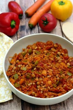 Chakalaka (plat sud africain à base de légumes, légumineuses et épices) vegetarisch lifestyle recipes grillen rezepte rezepte schnell Healthy Crockpot Recipes, Veggie Recipes, Healthy Cooking, Healthy Dinner Recipes, Vegetarian Recipes, Vegetarian Lifestyle, South African Dishes, South African Recipes, Ethnic Recipes
