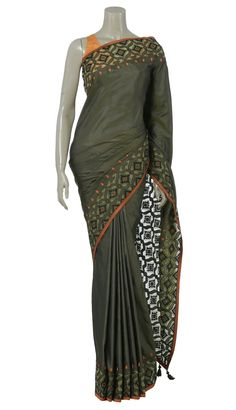 I am in LOVE with this Arong saree.