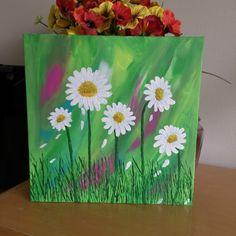 Daisy acrylic painting on gallery canvas by Kim Mlyniec