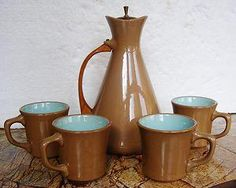 Vintage Taylor Chateau Buffet Turquoise Coffee Pot WOODEN Handle 4 Mugs MINT. 50's Coffee Pot with WOODEN Handle and Lid and 4 mugs. ABSOLUTLY MINT CONDITION.