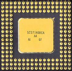 intel i486 DX 1989   http://suamaytinh3t.com/sua-chua-may-tinh-tai-nha-ha-noi/ Trung tâm sửa chữa máy tính tại nhà Hà Nội . Hotline: 094.805.8838