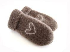 Tovede votter - brun med hjerte - str. M Gloves, Knitting, Tricot, Breien, Weaving, Stricken, Crocheting, Mittens, Yarns
