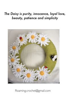 Decorative Crochet 30cm Daisy Wreath by RoamingCrochet on Etsy