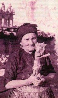 Rosa Ramalho (1888-1977), Barcelos - Portugal. Ceramista de uma imaginação prodigiosa.