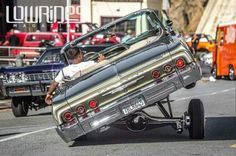 while 3 wheelin Chevrolet Impala, My Dream Car, Dream Cars, Arte Lowrider, Chevy Vehicles, Hydraulic Cars, Dodge Charger, Culture, Amazing Cars