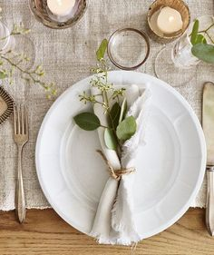 Garnish a Plate | No matter what you're celebrating—Christmas, Hanukkah, family harmony—these unfussy wintry arrangements, all made in minutes using everyday greenery, will bring joy to your world.
