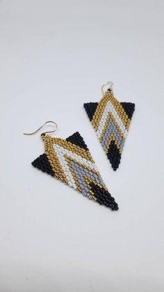 Beaded Earrings, Gold Earrings, Crochet Earrings, Drop Earrings, Gifts For Mum, Sister Gifts, Black And White Earrings, Embroidery Jewelry, Triangle Earrings
