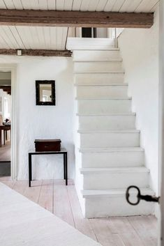 Ideas and inspiration Nordic Home, Country Style, Cosy, Stairs, Staircases, Design, Home Decor, Homes, Ideas
