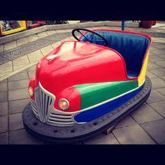 auto tamponneuse moto chopper vintage jouet ancien f te foraine no voiture a p dale tole auto. Black Bedroom Furniture Sets. Home Design Ideas