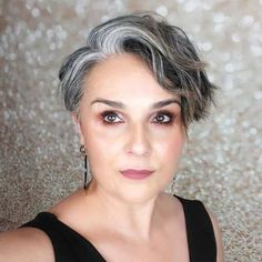 Blue Grey Hair, Grey Hair Care, Silver Grey Hair, Short Grey Hair, Short Hair Cuts, Lilac Hair, Pastel Hair, Green Hair, Grey Short Hair Styles
