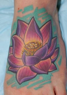 Jay Marceau - Tattoo Artist from Quebec City — Work Foot Tattoos, Flower Tattoos, Tatoos, Fb Like, Quebec City, Future Tattoos, Swallow, I Tattoo, Tattoo Artists