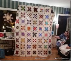 Yup, that is my quilt that I showed and told about for the first time while spending the weekend with Bonnie in Rangeley, Maine! #sisterschoice #quiltville #armybratquilts