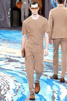 Louis Vuitton Fall 2014 Menswear Fashion Show Mens Fashion Week, Fashion Show, Fashion Design, Paris Fashion, Vogue Paris, Lv Men, Fall Winter 2014, Autumn, Men's Wardrobe