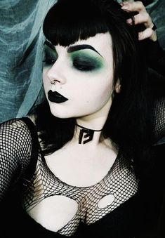Fear Choker Gothic Sigil with Adjustable Length Fastening Witchy Makeup, Emo Makeup, Gothic Makeup, Grunge Makeup, Gothic Beauty, Makeup Inspo, Ghost Makeup, Hot Goth Girls, Goth Women