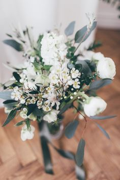 wedding flowers white and green