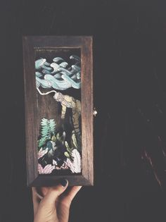 Shadow box for blue