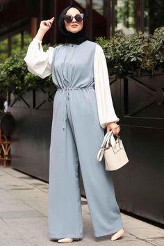 Modest Fashion Hijab, Modern Hijab Fashion, Muslim Women Fashion, Modesty Fashion, Hijab Fashion Inspiration, Fashion Dresses, Mode Abaya, Mode Hijab, Hijab Trends