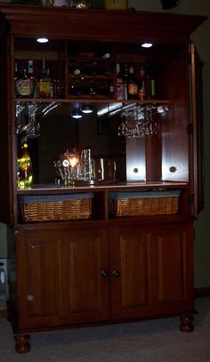 Turn your old TV cabinet/armoire into a home bar . Or I'm thinking coffee bar :D Armoire Bar, Armoire Redo, Armoire Makeover, Furniture Makeover, Do It Yourself Organization, Living Room Bar, Entertainment Center Furniture, Bar Cart Decor, Wine Cabinets