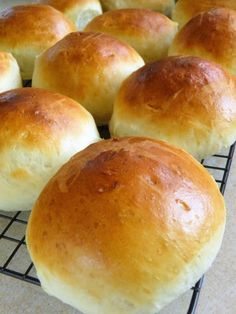 Bread Rolls, Food And Drink, Dinner, Baking, Recipes, Breads, Twists, Olympus, Buns