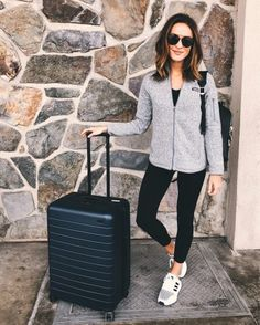 athleisure comfy travel outfit