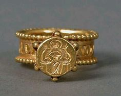 You trust me with this? Bind me to your heart forever Lord.Gold Signet Ring with Virgin and Child Date: century Culture: Byzantine Medium: Gold Byzantine Gold, Byzantine Jewelry, Renaissance Jewelry, Medieval Jewelry, Ancient Jewelry, Viking Jewelry, Antique Rings, Antique Gold, Antique Jewelry