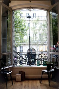 Parisian Window Seat