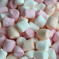 Mini Mallows for the sweethearts http://www.greatbritishsweets.co.uk/mini-mallows-2321-p.asp