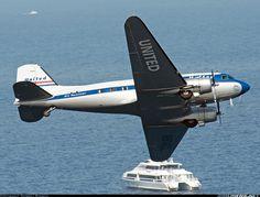 Douglas DC-3C aircraft picture