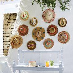 Des chapeaux de paille pour un été personnalisé