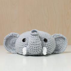 Türstopper gehäkelt Tierkopf Elefant grau niedlich von MJUKstore #mjukstore #etsy #unseretsy #doorstopper #animalhead #decoration #homemade #home #interior #fox #kids #kidsroom #design #homedeco #style #trend #cute #mummy #parents #family #textiledesign #crochet #elephant