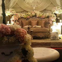 Pelamin Garden Pastel Flower Theme.  #pelamin #maintable #photobooth #entrance #flower #pastel #kerjakahwin #wedding #malaywedding #ampang