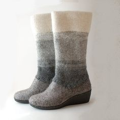 Felted wool boots natural gray white. Wedge winter wool shoes. Warm, durable, natural footwear for Winter. Natural gray and white shades of wool