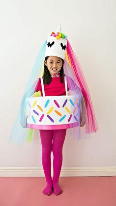 DIY Unicorn Cake Costume. What a cute and sweet Halloween costume idea for kids. Halloween Drinks, Halloween Food For Party, Halloween Costumes For Kids, Halloween Crafts, Happy Halloween, Halloween 2018, Easy Diy Costumes, Homemade Costumes, Costume Ideas