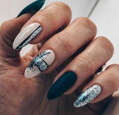 Squoval Acrylic Nails, Acrylic Nail Designs Glitter, Rounded Acrylic Nails, Short Square Acrylic Nails, Bling Acrylic Nails, Classy Acrylic Nails, Acrylic Nails Coffin Short, White Acrylic Nails, Almond Acrylic Nails