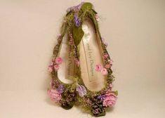 Sapatinho da borboleta se calça para pousar nas flores e colher o polem…