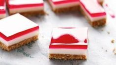 * Berries And Cream Jelly Slice. ► Use double thickness of baking paper and don't cut the corners otherwise the jelly oozes thru. 3 tsps of powdered gelatine equals the 2 sheets of gelatine leaves. Morning Coffee Biscuits, Baking Recipes, Dessert Recipes, Desserts, Jelly Slice, Coconut Slice, Lemon Slice, Retro Recipes, Cake Designs