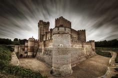 Castillo de la Mota, Valladolid, Spain (castle of the moat) Beautiful Castles, Beautiful Buildings, Beautiful World, Beautiful Places, Hatley Castle, Valladolid, Medieval Castle, Loire, Travel Photos